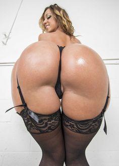 Jada Stevens Leaks Her Ass 24
