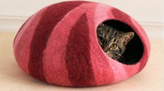 L size cat bed/cat cave/cat house/felted cat cave With by elevele Stone Rug, Tree Bed, Winter Cat, Cat Shelves, Cat Cave, Gatos Cats, Felt Cat, Cat Colors, Cat Furniture