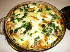 Skillet Strata with Spinach and Feta Breakfast Time, Breakfast Recipes, Feta Cheese Recipes, Spinach And Feta, Quiche, Main Dishes, Yummy Food, Skillet, Main Course Dishes