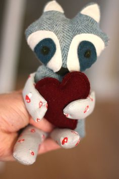 Little raccoon plushie - includes link to template for the face