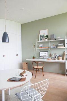 Minimalist home office green wall modern design Scandinavian interior wall a Office Paint Colors, Home Office Colors, Home Office Decor, Home Decor, Dorm Desk, Ceo Office, Office Memes, Luxury Office, Office Workspace