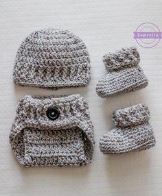 http://www.sewrella.com/the-parker-crochet-diaper-cover/