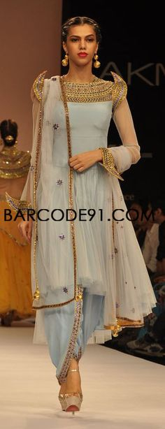 Shilpa Reddy's ethnic collection at Lakme Fashion Week Winter /Festival Hate the bottoms. Love the strong shoulders and neckline Pakistani Couture, Indian Couture, Pakistani Outfits, Indian Outfits, Indian Fashion Trends, Ethnic Fashion, Asian Fashion, Indian Dresses Online, Indian Clothes Online