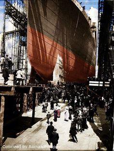 Launch of Titanic Titanic Art, Titanic Photos, Real Titanic, Titanic History, Southampton, Belfast, Titanic Underwater, Liverpool, World History