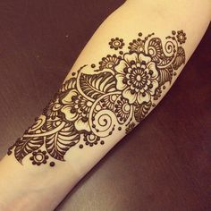 Mehndi Design is type of art.Our celebrations is incomplete without mehndi. Here,will tell you about Kashee's Bridal Mehndi Design. Henna Tatoos, Henna Ink, Henna Mehndi, Paisley Tattoos, Henna Mandala, Arabic Henna, Mandala Tattoo, Henna Tattoo Designs Simple, Beautiful Henna Designs
