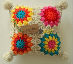 Crochet Pillow, Crochet Art, Crochet Home, Knit Or Crochet, Crochet Granny, Crochet Patterns, Wool Thread, Crochet Cushions, Crochet Squares