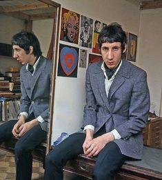 Pete Townshend Stock Photos & Pete Townshend Stock Images - Page 3 Sixties Fashion, Mod Fashion, John Entwistle, Mod Girl, Pete Townshend, Roger Daltrey, Swinging London, Badass Style, British Rock