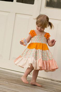 This sewing tutorial will teach you to make a boutique dress that is long and loose style full of twirl for your little girl. The Baby Doll Twirl pattern… Sewing Patterns Girls, Girl Dress Patterns, Clothing Patterns, Pdf Patterns, Fashion Kids, Little Girl Dresses, Girls Dresses, Cute Summer Dresses, Simple Dresses