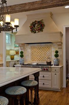 Terrell Hills Country French - Kitchen