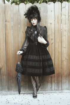 "Gothic coords but everything is black - ""/cgl/ - Cosplay & EGL"" is imageboard for the discussion of cosplay, elegant gothic lolita (EGL), and anime conventions. Style Lolita, Lolita Mode, Mode Alternative, Alternative Fashion, Gothic Mode, Gothic Lolita, Lolita Fashion, Gothic Fashion, Victorian Era Dresses"