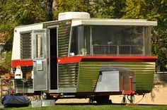 1960 Holiday House Trailer
