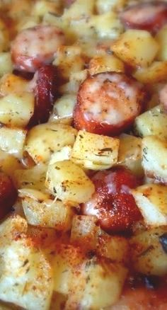 Oven Roasted Smoked Sausage Potatoes Recipe ~ easy, simple and delicious. Make t… Oven Roasted Smoked Sausage Potatoes Recipe ~ easy, simple and delicious. Make this recipe with your favorite Johnsonville Smoked Sausage! Smoked Sausage And Potato Recipe, Smoke Sausage And Potatoes, Kielbasa And Potatoes, Oven Potatoes, Cheesy Potatoes, Potatoes Crockpot, Half Smoke Sausage Recipe, Pork And Potato Recipe, Sausage And Potatoes Skillet