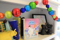 Baby bookshelf: Christmas style