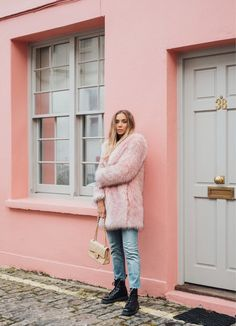 Enjoy the lush feel of this pink coat and be in the spotlight! 💁♀️ Mid-length Pink Faux Fur Coat with pockets on the side. SIZES: CM Bust Length Shoulder Sleeve S 108 82 46 56 M 112 47 57 L 116 85 48 58 C Stylish Winter Coats, Best Winter Coats, Winter Looks, Fall Winter, Dr. Martens, Checkered Trousers, Pink Faux Fur Coat, Thing 1, Coats For Women