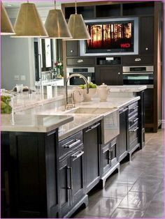 Elegant Kitchen with islands Images