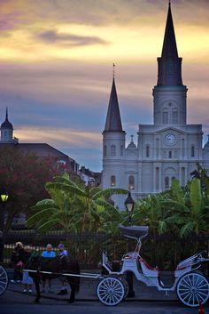 Jackson Square, New Orleans (I love this area, we went here all the time when we lived in NOLA! -MH)