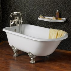"61"" Sienna Cast Iron Roll Top Clawfoot Tub on Royal Feet"