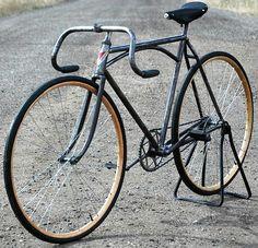 Vintage Cycles, Vintage Bikes, Vintage Racing, Old Bicycle, Bicycle Race, Tweed Ride, Commuter Bike, Bicycle Design, Cool Bikes
