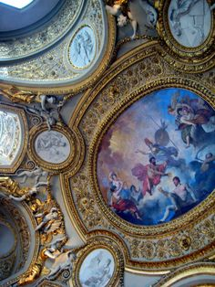 Musee du Louvre: ceiling detail