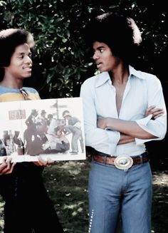 Michael and Marlon Jackson Jermaine Jackson, Mike Jackson, Michael Jackson Bad Era, Michael Love, Jackson Family, Like Mike, The Jacksons, African History, Motown