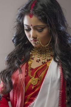 Stock Photo - Potrait Of A Bengali Married Woman As Goddess Durga Bengali Saree, Bengali Bride, Bengali Wedding, Bengali Bridal Makeup, Bridal Makeup Looks, Wedding Makeup, Hairstyles For Gowns, Indian Bridal Hairstyles, Indian