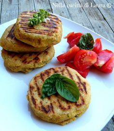 chickpea burger - in the laura kitchen Veg Recipes, Light Recipes, Italian Recipes, Vegetarian Recipes, Cooking Recipes, Healthy Recipes, Chickpea Burger, Vegan Burgers, I Love Food