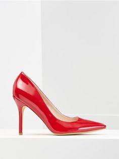Какой вред несут высокие каблуки? Последствия ношения обуви