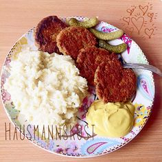 Red lintels patties and some mashed potatoes