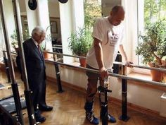 Paralysed man walks again after breakthrough spinal treatment - Business Insider