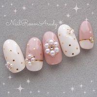 Pink and white Nails Fancy Nails, Love Nails, Trendy Nails, Pink Nails, White Nails, Gem Nails, Nail Manicure, Cute Nail Art, Nail Art Diy