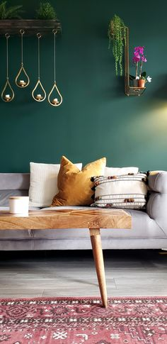 Apartment makeover emerald green wall Ben moore Hunter Green wall with wood and gold accents that po Bedroom Colour Schemes Green, Green Bedroom Walls, Green Accent Walls, Accent Wall Colors, Accent Wall Bedroom, Bedroom Wallpaper Ideas Green, Green Walls, Color Schemes, Living Room Accents