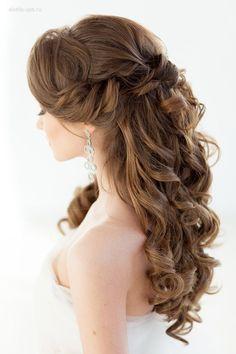 Elstile half up half down long wedding hairstyles 2 #weddings #weddingideas #hairstyles #fashion ❤️ http://www.deerpearlflowers.com/half-up-half-down-wedding-hairstyle-ideas/