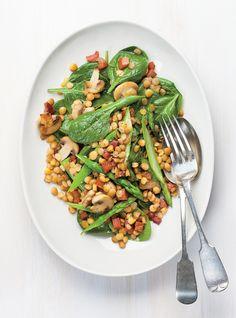 Salade d'épinards aux lentilles et aux asperges
