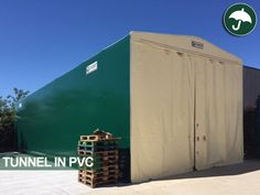 #Tunnel #mobile in #pvc bicolore: panna e verde. Scopri l'ultima installazione Civert in provincia di #Varese.