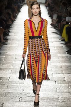 http://www.vogue.com/fashion-shows/spring-2017-ready-to-wear/bottega-veneta/slideshow/collection