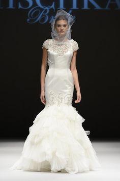 Pin for Later: Die 100 besten Hochzeitskleider der Brautmodenschauen Badgley Mischka Brautmode Herbst 2015