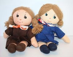 Vintage Brownie and Girl Guide Rag Dolls - when I had my sparks unit I bought a guiding doll, an extra outfit, a journal and a photobox. Each girl took her home, recorded what they did in picture or word and some even made blankets or pillows :) Brownies Girl Guides, Brownie Guides, Plush Dolls, Rag Dolls, World Thinking Day, Dolls For Sale, Doll Maker, Diy Doll, Vintage Girls