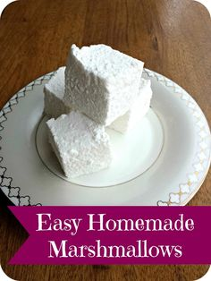Diary of a Stay at Home Mom: Super Easy Homemade Marshmallow Recipe { No Corn Sy. - Diary of a Stay at Home Mom: Super Easy Homemade Marshmallow Recipe { No Corn Syrup } - Marshmallow Recipe No Corn Syrup, Recipes With Marshmallows, Homemade Marshmallows, Homemade Candies, Candy Recipes, Sweet Recipes, Dessert Recipes, Just Desserts, Delicious Desserts
