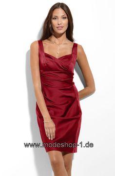Abend Mode Schlichtes Cocktailkleid in Weinrot Dunkel Rot von www.modeshop-1.de