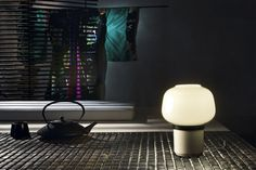 The modern Doll Table Lamp was designed in 2012 by Ionna Vautrin for the Italian lighting manufacturer Foscarini. Designed after the model of Japanese Kokeshi Light Table, Lamp Light, Style Simple, Italian Lighting, Small Lamps, Yanko Design, Lamp Design, Cool Lighting, Lights
