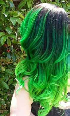 Top 25 Green Ombre Hair Colors Usually i dont like green hair because it fades into that ugly green, Green Hair Dye, Green Hair Colors, Dye My Hair, New Hair, Black And Green Hair, Green Hair Girl, Green Wig, Hair Colours, Hair Tie