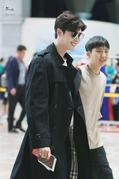 Only Lee Jong Suk — Leejongsuk at GMP airport heading to. Kang Chul, Hyun Suk, Lee Joon, Asian Actors, Korean Actors, Lee Jong Suk Wallpaper, Lee Jong Suk Cute, Lee Jong Suk Kim Woo Bin, Park Bo Gum