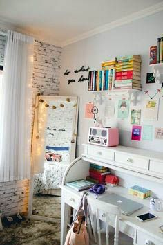 Teen Girl Bedrooms - Clever and cool teen room decor tricks and ideas. Thirsty for additional superb teen room decor examples why not jump to the pin for the post idea 9368599648 now. Small Teenage Bedroom, Bedroom Ideas For Teen Girls Tumblr, Very Small Bedroom, Teen Girl Rooms, Teenage Room, Small Room Bedroom, Trendy Bedroom, Bedroom Colors, Girls Bedroom