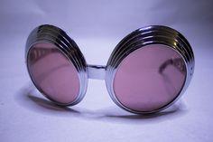 Rondes verres roses avec trous ronds sur les côtés 89CHF