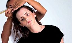 GIF Emma Watson http://ewatsondaily.tumblr.com/