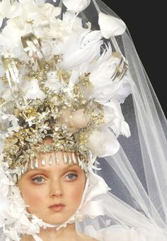 christian lacroix haute couture s/s 2007, lily cole on the runway