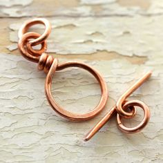 Solid Copper Toggle Clasp gauge) - Reclaimed Wire Copper Clasp, Recycled, Hand Forged Findings via Etsy Jewelry Clasps, Copper Jewelry, Wire Wrapped Jewelry, Jewelry Findings, Beaded Jewelry, Handmade Jewelry, Jewellery, Copper Wire, Copper Bracelet