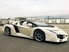 lamborghini-veneno-roadster-white1