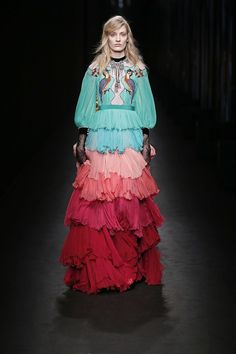 Flora-and-fauna symmetry. #refinery29 http://www.refinery29.com/2016/02/103968/gucci-fall-winter-nyfw-2016-review#slide-41