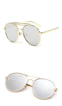 2a68d0ef25 Amazon.com  GAMT Unisex Fashion Round Aviator Sunglasses for Women Metal  Frame PC Lens Black  Clothing